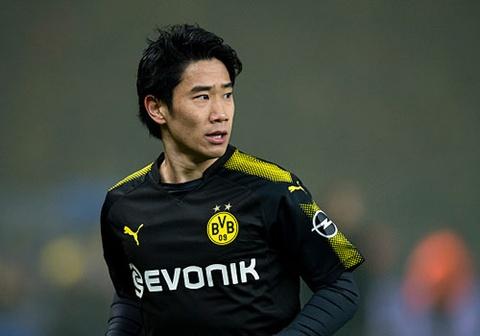 Dortmund thoat thua nho Kagawa, kem doi dau bang Bayern 14 diem hinh anh