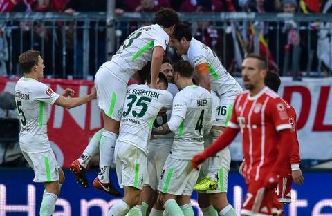 Bayern thang 4-2 nho James Rodriguez, Lewandowski va Mueller hinh anh 8