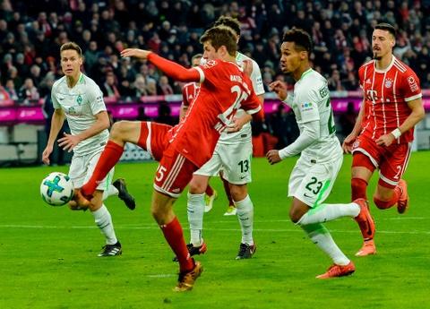Bayern thang 4-2 nho James Rodriguez, Lewandowski va Mueller hinh anh 10