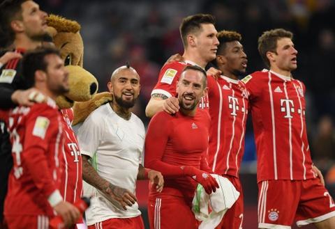 Bayern thang 4-2 nho James Rodriguez, Lewandowski va Mueller hinh anh 1