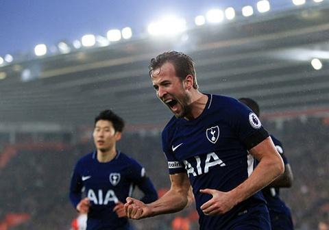 Harry Kane ghi ban, Tottenham van hut hoi trong cuoc dua top 4 hinh anh