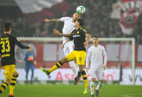 Roi Chelsea, Batshuayi ra mat Dortmund bang cu dup ban thang hinh anh 8