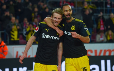 Roi Chelsea, Batshuayi ra mat Dortmund bang cu dup ban thang hinh anh 9
