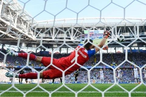 Tan binh - Ve dep va su lang man cua World Cup hinh anh 3
