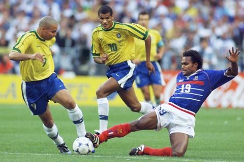 So sanh the he Zidane 1998 va Mbappe 2018 hinh anh 15
