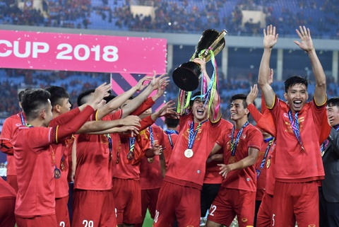 Can lam gi sau vinh quang cua tuyen Viet Nam tai AFF Cup 2018? hinh anh 1