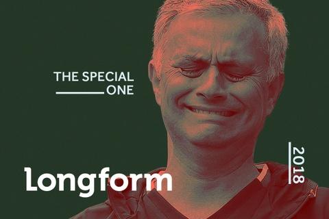 Jose Mourinho va cu nga tu dinh cao xuong vuc sau hinh anh