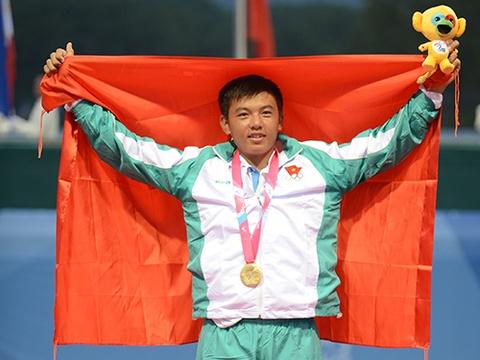 Hoang Nam gianh HCV lich su cho tennis Viet Nam hinh anh