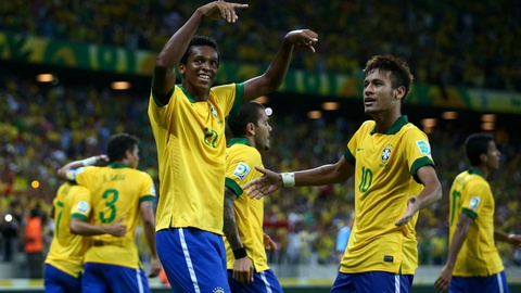Brazil - Australia: Xoa noi dau mang ten Thuy Sy hinh anh