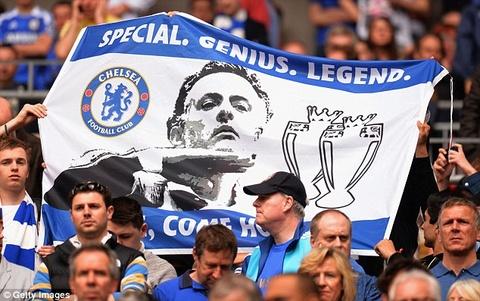 Fan Chelsea quyen tien nop phat giup Mourinho hinh anh