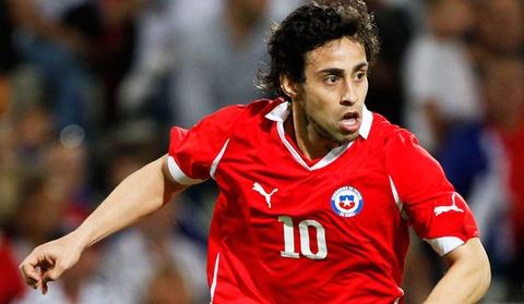 Valdivia nang ty so len 2-0 cho Chile hinh anh