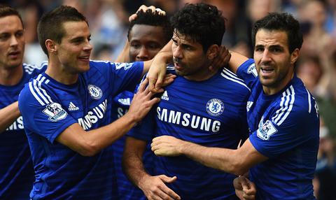 Fabregas gian tiep giup Chelsea danh bai Arsenal 2-0 hinh anh
