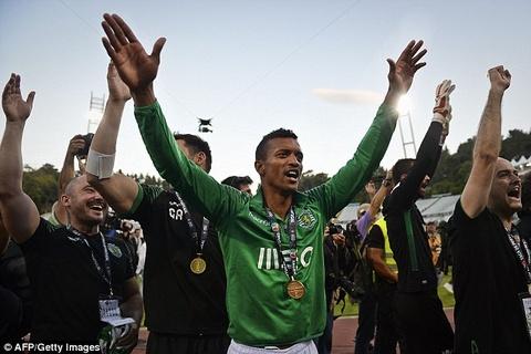 Nani vo dich cung Sporting Lisbon sau tran cau kich tinh hinh anh