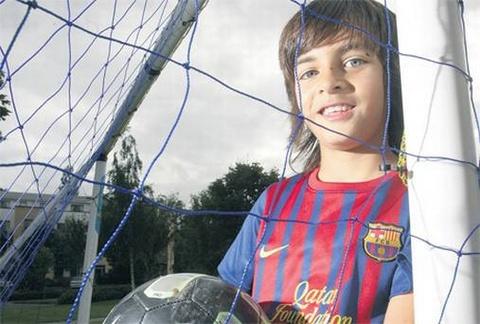 Man trinh dien an tuong cua 'Messi Ireland' hinh anh