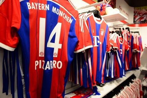 Di tu 15 thang hoac phai mua do cua Bayern Munich hinh anh