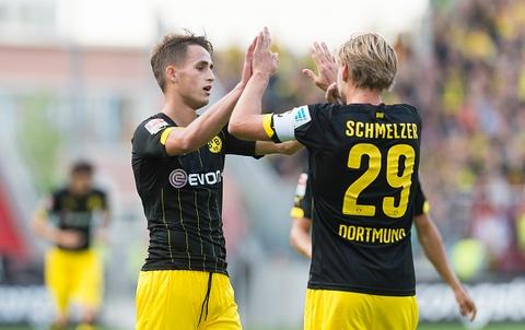 Januzaj ghi ban dau tien trong mau ao Dortmund hinh anh