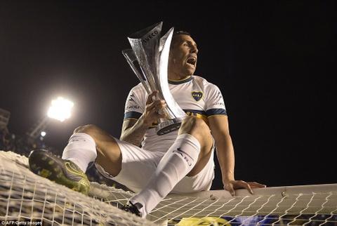 Tevez gianh danh hieu dau tien khi tro lai Boca Juniors hinh anh