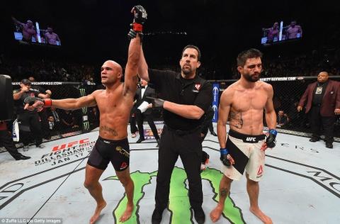 Robbie Lawler bao ve dai vo dich UFC 195 kich tinh hinh anh 1