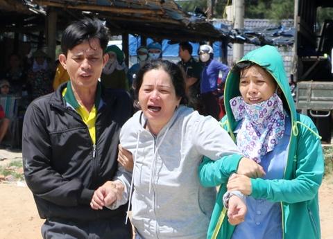 Giam doc Ban quan ly cang ca Quang Ngai mat tich tren bien hinh anh