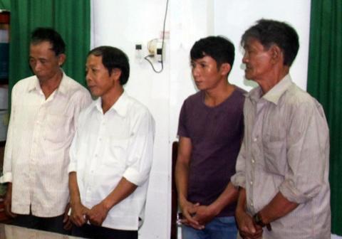Vu pha rung quy mo lon o Binh Dinh: Khoi to them 5 bi can hinh anh