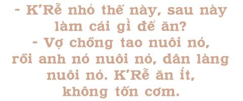 Hanh trinh xuong nui, toi truong cua cau hoc tro be nhu chai nuoc hinh anh 13
