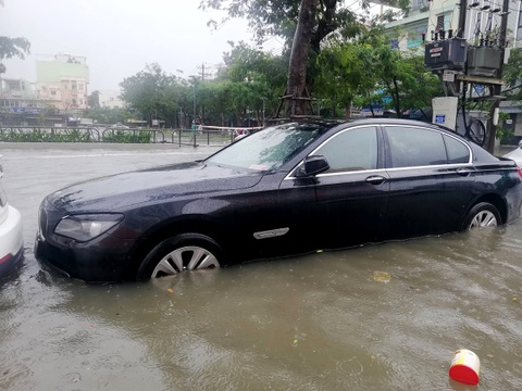 BMW, Range Rover chim trong ham xe chung cu cao cap Hoang Anh Gia Lai hinh anh 7
