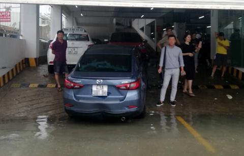 BMW, Range Rover chim trong ham xe chung cu cao cap Hoang Anh Gia Lai hinh anh 9