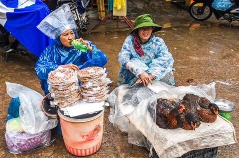 Tiểu thương chợ Tam Kỳ điêu đứng sau mưa lũ