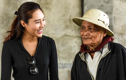 Nghe si Viet ket noi 'nu cuoi trai tim' o Quang Ngai hinh anh