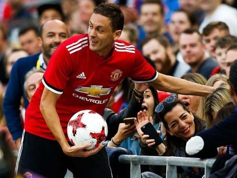 HLV Mourinho goi Matic la thien tai sau man ra mat hinh anh
