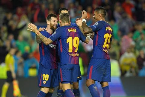 Messi toa sang giup 10 nguoi Barca danh bai Olympiacos hinh anh 11