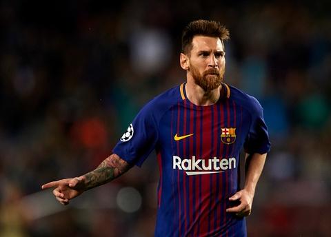 Messi toa sang giup 10 nguoi Barca danh bai Olympiacos hinh anh