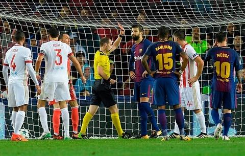 Messi toa sang giup 10 nguoi Barca danh bai Olympiacos hinh anh 6