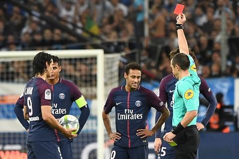 Neymar nhan the do hinh anh