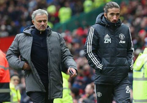 Mourinho bat ngo dua con trai len ban huan luyen MU hinh anh