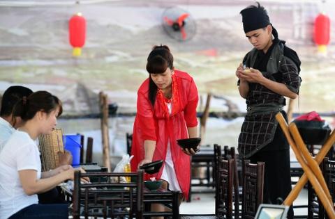 Nha hang phong cach Tam Quoc Chi o Sai Gon hinh anh 6