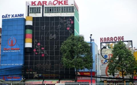 Bien quang cao bit kin quan karaoke, cua hang o Sai Gon hinh anh 3