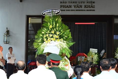 Roi nuoc mat vieng nguyen Thu tuong Phan Van Khai tai tu gia hinh anh 11