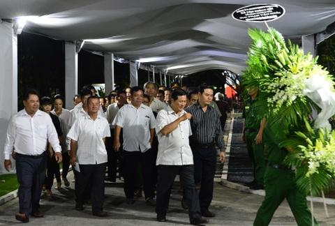 Roi nuoc mat vieng nguyen Thu tuong Phan Van Khai tai tu gia hinh anh 13