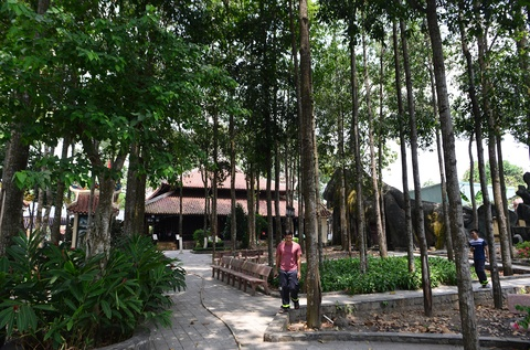 Dinh Tan Thong - noi ong Sau Khai thuong tra hinh anh 2