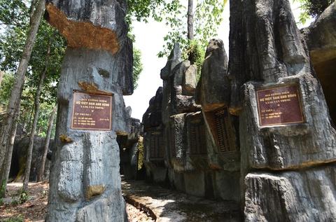 Dinh Tan Thong - noi ong Sau Khai thuong tra hinh anh 14