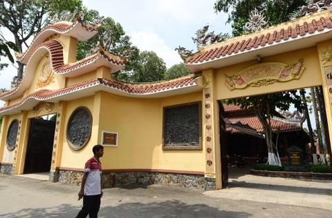 Dinh Tan Thong - noi ong Sau Khai thuong tra hinh anh 3