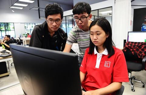 Trường học không bục giảng lẫn người dạy ở Sài Gòn
