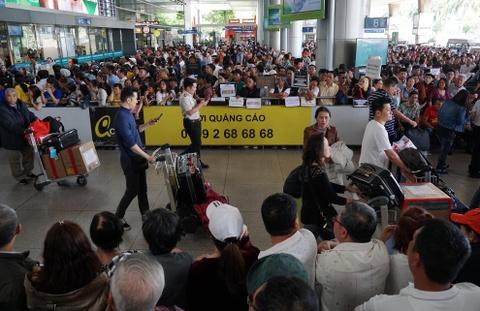 Vi sao Tan Son Nhat bi xep 'bet bang' ve chat luong dich vu? hinh anh 5