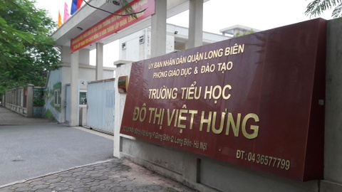Phu huynh to truong tieu hoc Do thi Viet Hung co nhieu khoan thu vo ly hinh anh