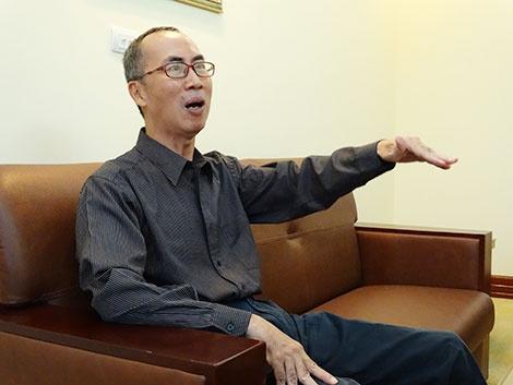 Thay giao Le Ba Khanh Trinh: Luon co mot loi giai cua Chua, nhung... hinh anh