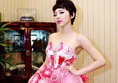 My nhan showbiz Viet xau dep that thuong voi vay ket hoa 3D hinh anh