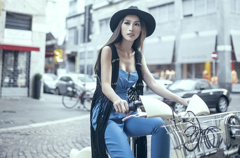 Quynh Thy dien street style sanh dieu tren duong pho Milan hinh anh