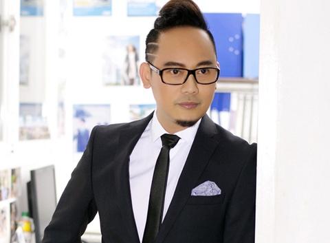 Vo Viet Chung mang ao dai sang My du Fashion TV hinh anh