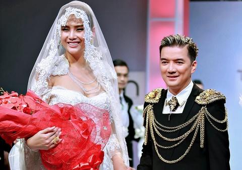 Dam Vinh Hung thap be khi catwalk cung Vo Hoang Yen hinh anh